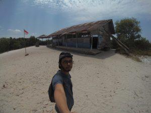 Replika sekolah Laskar Pelangi