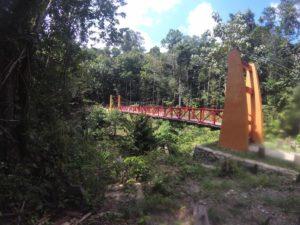 Jembatan merah Bukit Peramun