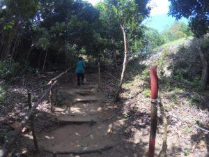 jalan menuju Bukit Peramun