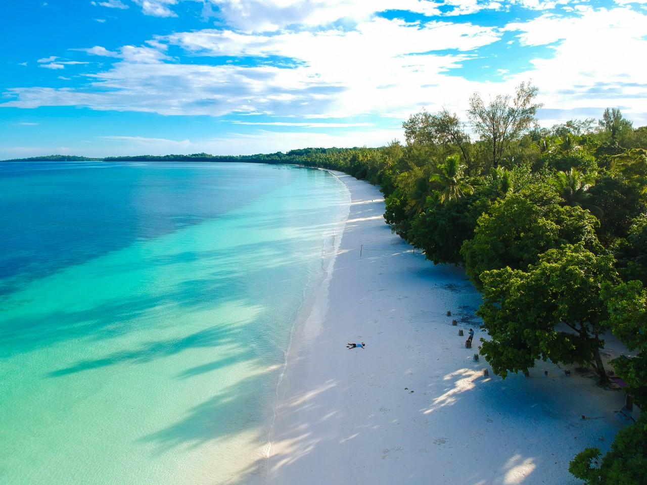 Image result for pantai ngurbloat kei