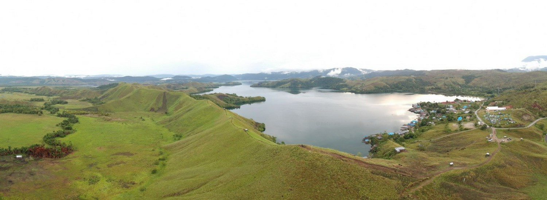 Bukit Teletubis Danau Sentani